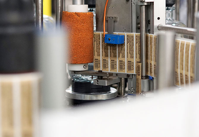 photo of bottle decoration process second